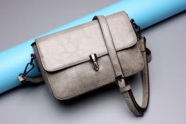 Solid Leather Shoulder Bag ~ Grey