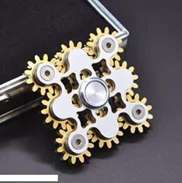 Ian 9 Bearing Gear Fidget Spinner Finger Toy